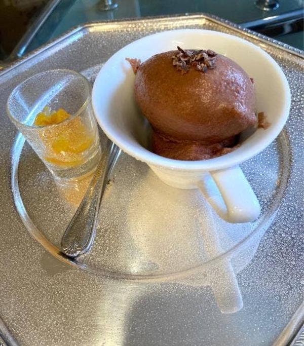 ビターチョコレートのシャーベット(冷菓)オレンジのマーマレードと共に、 税込み880円